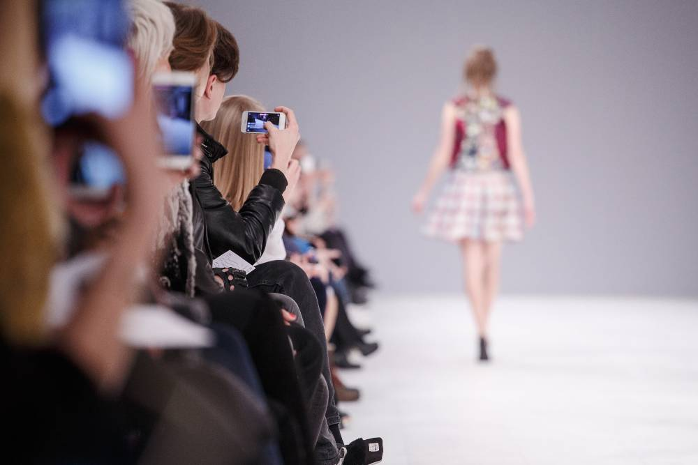 Learn the benefits of becoming a fashion model.