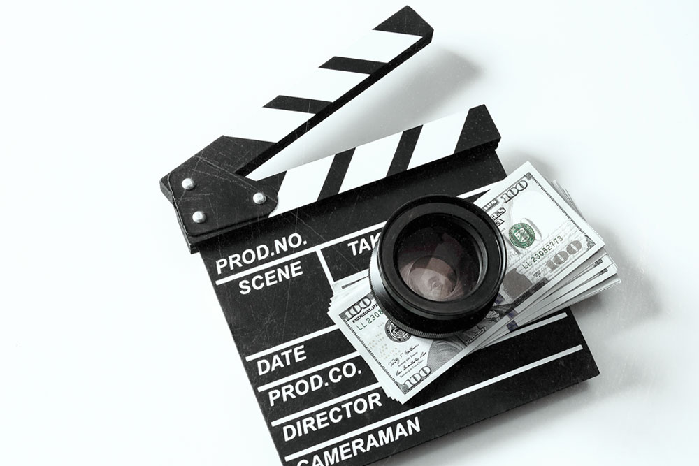 How much does an actor make?